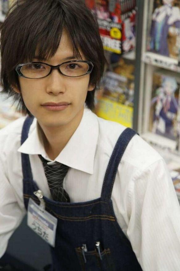 内田裕也さんがアニメイトのアルバイト店員になり、客40人以上から告白される事態にw