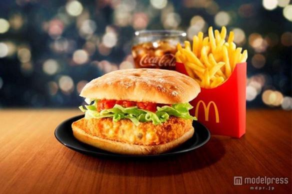 マクドナルド、カニを使用した贅沢な新バーガー登場「かにコロッケバーガー」単品390円