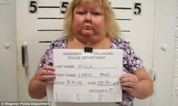 女教師、着任初日の教室で泥酔、ズボンはかず…逮捕(画像あり)