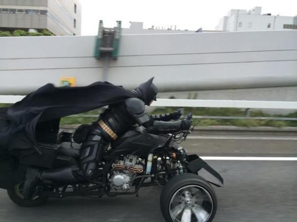 千葉の街中で「バットマン」の目撃情報相次ぐ