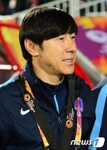 【サッカー】「3失点したのを除けば完璧な試合だった」 韓国監督の負け惜しみにネット民大爆笑wwwww