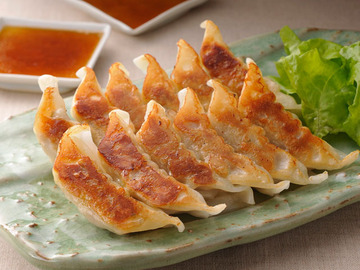 中国オリジナルの「水餃子」、日本がパクった「焼き餃子」 世界進出して認められたのは「焼き餃子」