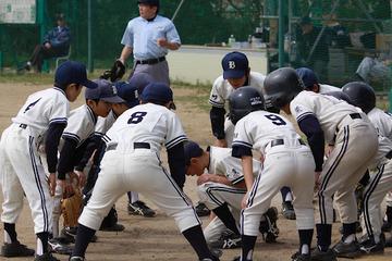 【話題】大手企業の元役員「退職後ヒマだから少年野球の監督でもやろうと出かけたら門前払いされた」