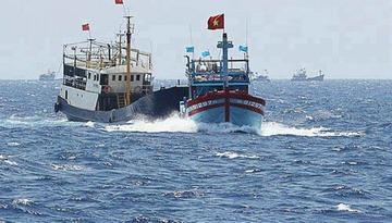 中国警備船がベトナム漁船を襲撃、乗り移り漁具を壊し食料など奪う…南シナ海