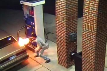 【米国】ガソリンスタンドでクモを殺そうと給油口に着火 → 大炎上