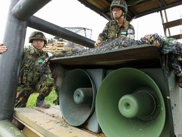 【速報】北朝鮮が韓国の拡声器を砲撃