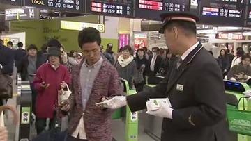【社会】「やめましょう、歩きスマホ」 JR東日本と通信各社がキャンペーンを開始