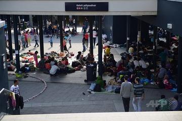 【ハンガリー】「警察はいらない」…難民ら1000人以上が抗議活動