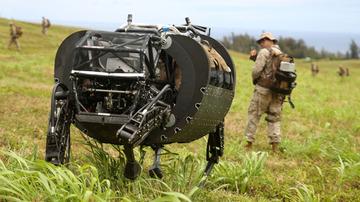 【米国】Google製四脚ロボ「私を軍で採用してください」 米軍「うるさいから帰れ!」