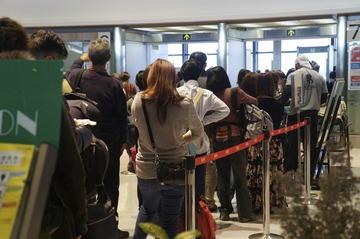 新千歳空港すり抜け、女性客「出発が迫り焦ってしまった」