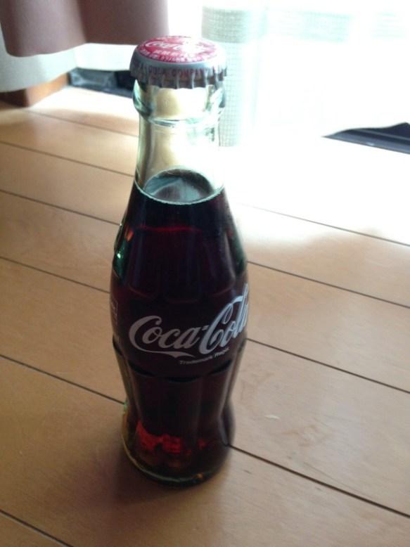 【画像】瓶コーラ買ってきた!