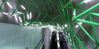 田舎者よこれが東京の駅だ!!