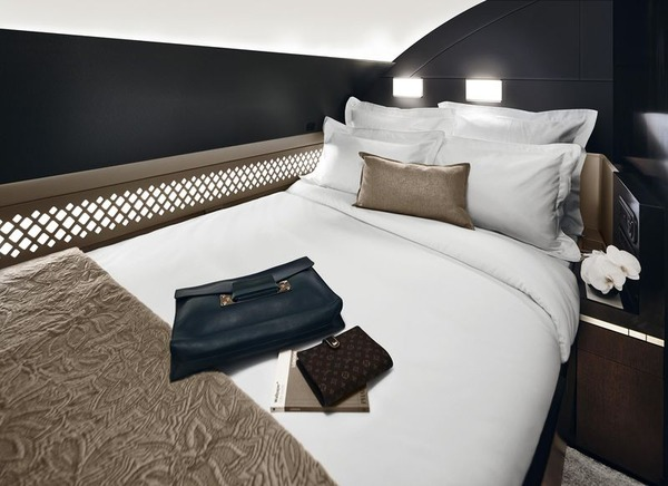 800x600_1418924340_A380_Etihad_cabin_The_Residence_Bedroom