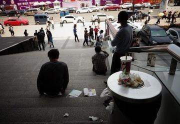 アメリカ人「列に割り込む中国人は殴り倒すのが1番」