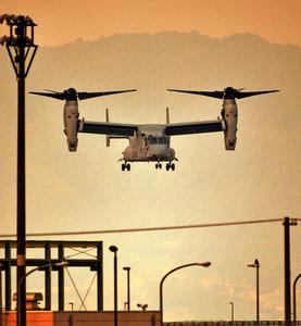 【速報】オスプレイが着陸失敗! 乗員1人死亡21人搬送…ハワイ・オアフ島