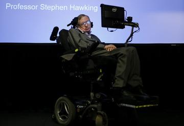 【科学】ホーキング博士、人工知能のリスクを警告 「大惨事がほぼ確実に起こる」