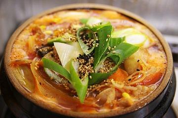 日本人の47.5%がキムチ鍋好き? エバラ食品のアンケート結果にネット民猛反発