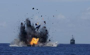 インドネシアが中国密漁船を爆破 → 中国「中国企業の 正 当 な 権 益 を守れ」と犯罪者を擁護wwwww