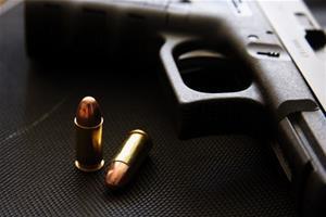 【メキシコ】銃を使って自分撮りしようとした男性、誤って自分の頭を撃ち抜く