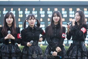 ドイツ「おい韓国、アイドルにナチスの恰好させるな」 → 韓国「70年前の事をごちゃごちゃ言うな」と逆ギレwwwww