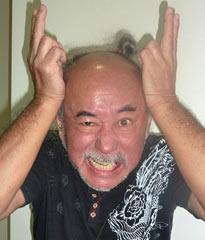 【沖縄】「怒った顔写真で新基地反対表明を」 市民団体が琉球新報に意見広告を掲載