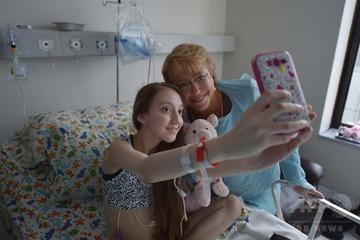 難病に苦しむ14歳美少女「大統領、安楽死を認めて下さい」と動画投稿 → 大統領が病院をアポなし訪問