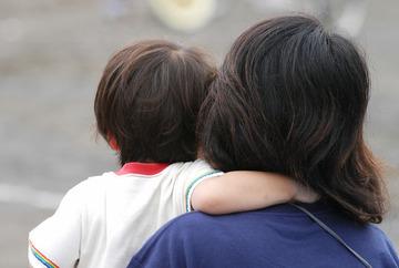 保育園で「父の日」「母の日」行事の中止相次ぐ…ひとり親の子どもに「つらい思い」させないため