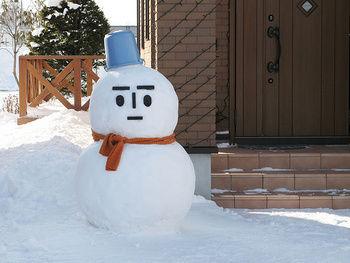 イスラム法学者「雪だるまは反イスラム。遊びであっても許されない」