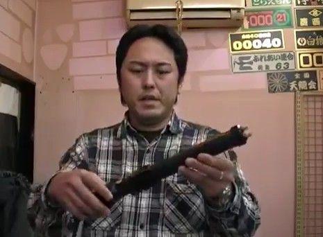 【動画あり】身体張って自店の最強電圧スタンガンを食らう防犯グッズ店の店長wwwwww ドM過ぎんだろ店長wwwwwwwwwww