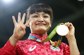 【リオ五輪】女子レスリング58キロ級の伊調馨選手が史上初の4連覇を達成し、金メダルを獲得!おめでとうございます!!