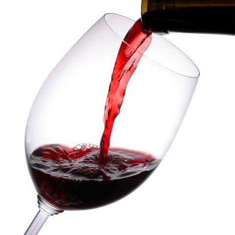 寝る前に赤ワインを飲むとダイエットに効果的だということが判明!