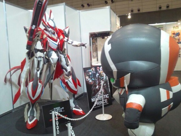 【翠星のガルガンティア】チェインバーがヴァルヴレイヴ・レッドファイブ(マジェプリ)・超大型巨人(進撃の巨人)とコラボwwww