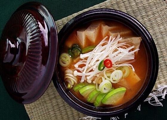 最も人気な韓国料理第1位は味噌汁!2位焼肉!3位ビピンパ!4位トッポギ!