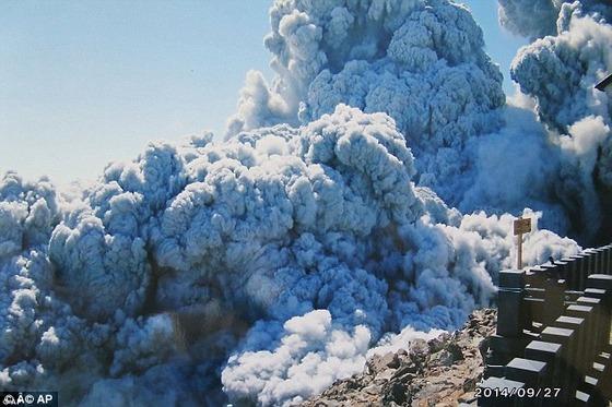 御嶽山噴火、彼らが命と引き換えに撮った写真