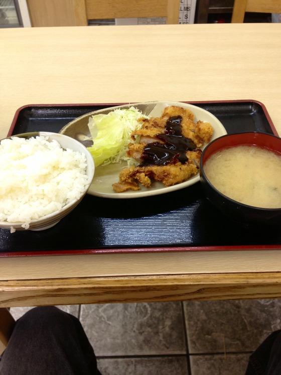 このトンカツ定食250円www(画像あり)