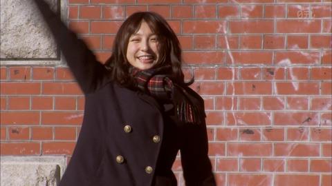 【画像】 中学生役を演じる篠田麻里子(26歳)が痛すぎと話題