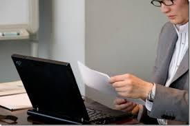 識者「日本では短時間で仕事を終わらせると楽をしていると叩かれる。労働生産性が上がるわけがない」