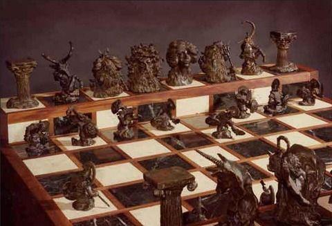 外国人「父親がギリシャ神話風のチェスセットを製作した」海外の反応