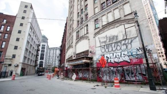 【米国】デトロイトの未来を予言した?「ロボコップ」の世界