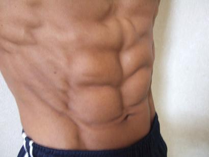 筋トレで筋肉をつけるためにはどんな栄養を取ればいい?
