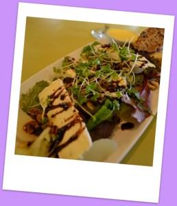 Poached pear, brie & walnut salad