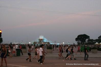 Lollapalooza Day 2 Crowd-8