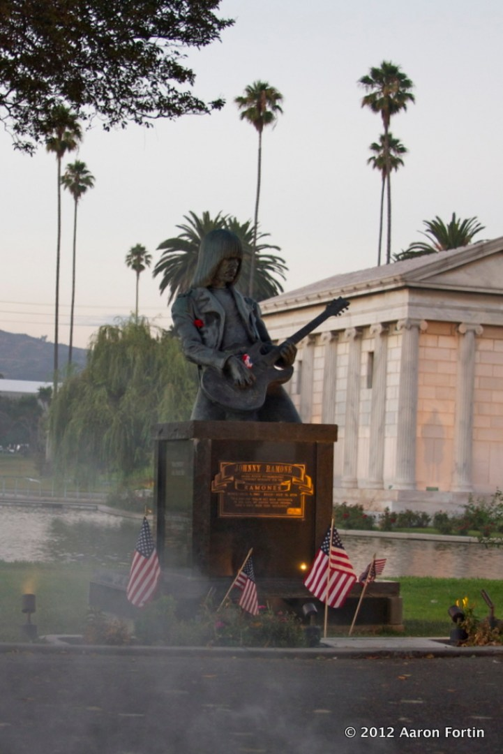 Johnny Ramone Statue at Hollywood Forever / Sigur Ros