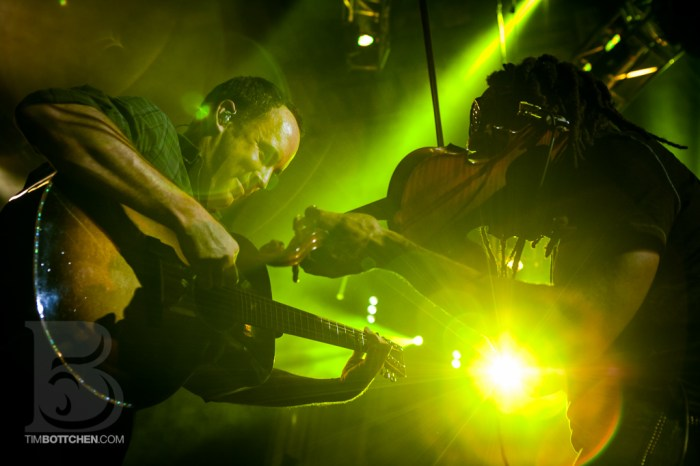 Dave Matthews and Boyd Tinsley at Verizon Wireless Amphitheater
