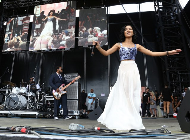 Jhene Aiko @ Roots Picnic 2014