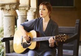 SHOUT: Suzanne Vega   Liverpool Philharmonic   16.06.15