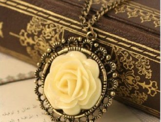 Amazon Vintage Flower Necklace just $1.99 shipped!!!