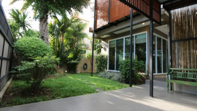 H 087 S : NEW HOUSE MODERN STYLE FOR SALE / RENT