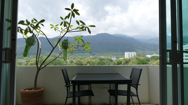 C 073 R : LUXURY CONDOMINIUM FOR RENT AT SKYBEEZE OVERLOOKING CHIANGMAI UNIVERSITY WITH PANORAMIC mountain views.
