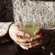 Heißes Zitronen-Honig Getränk mit frischem Ingwer
